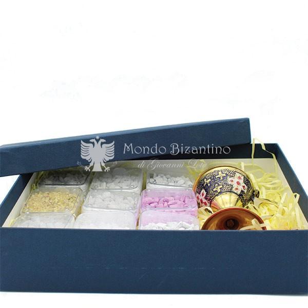 kit angolo bello scatola incensi greci varie profumazioni e incensiere da appoggio scaled 1